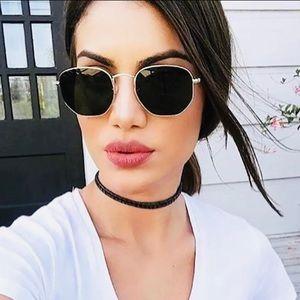 🎀New Retro Femme Fatale Fashion Unique Sunglasses